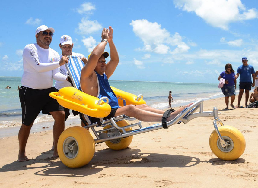floating beach wheelchair waterwheels 02
